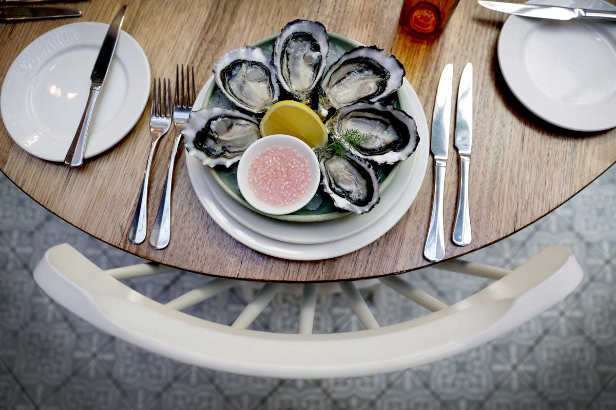 fitroytownhallhotel-nicolecleary-oysters