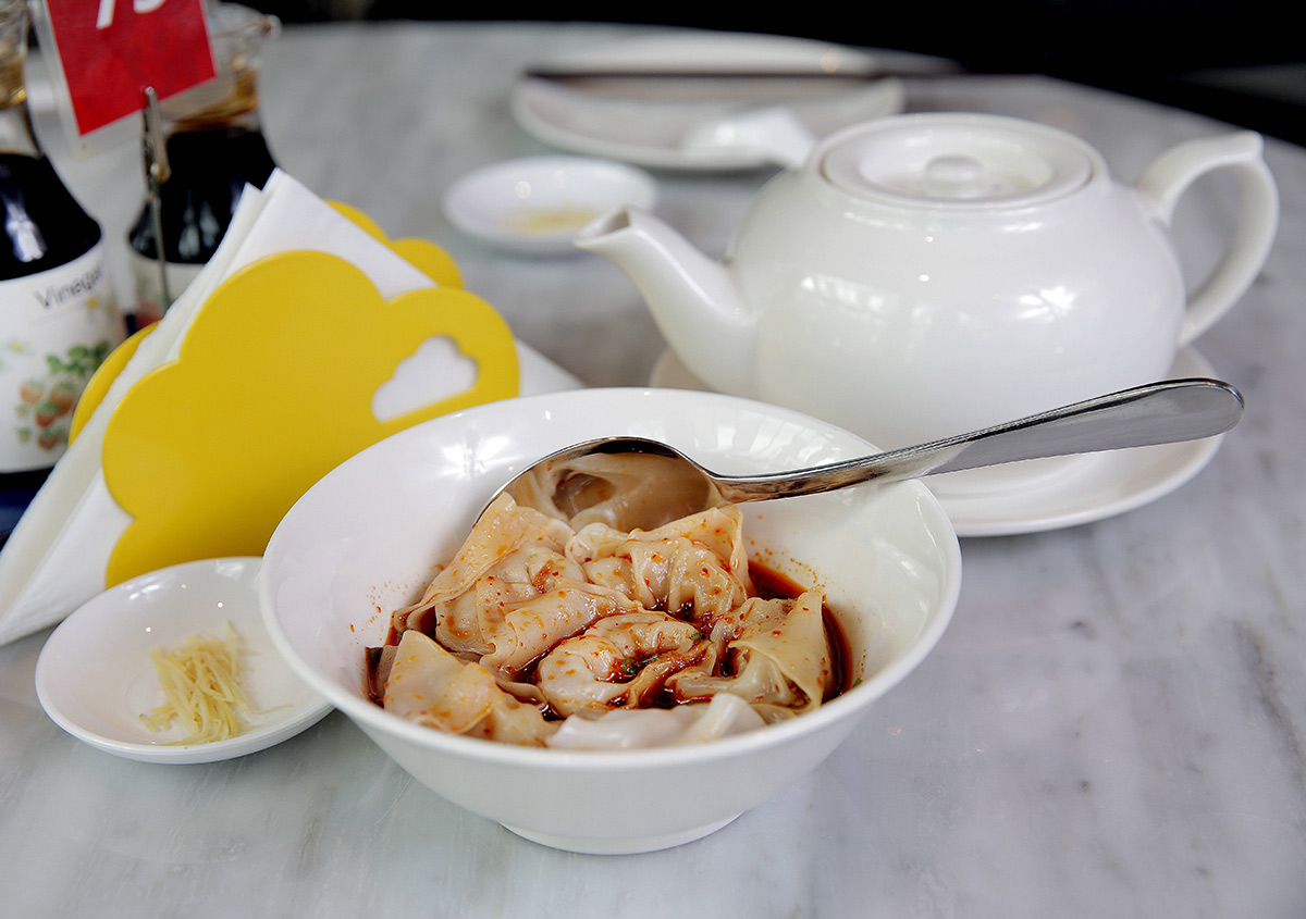 Nicole-Cleary-Photography-Din-Tai-Fung-Spicy-prawn-pork-dumplings