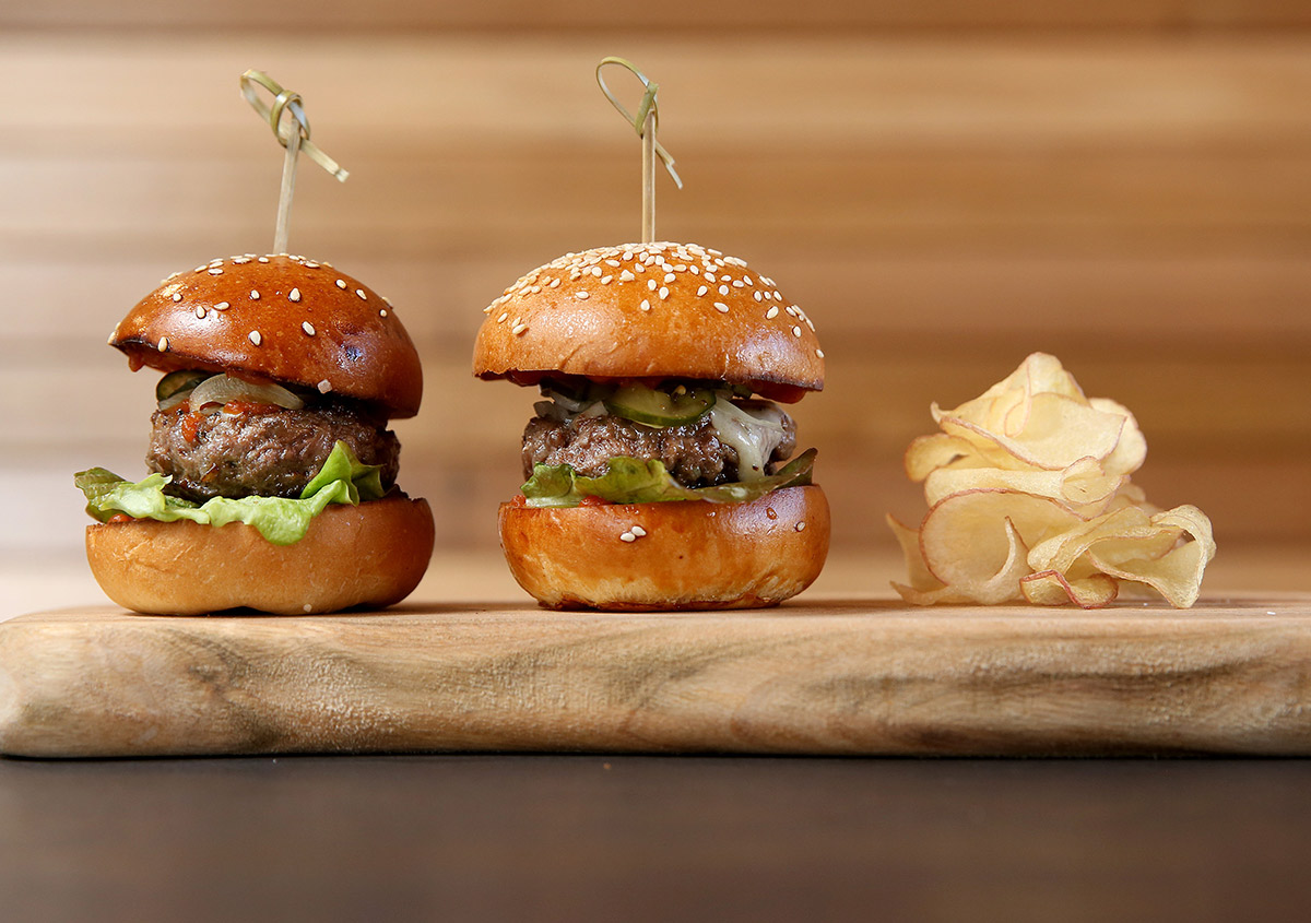 Nicole-Cleary-Photography-Ezard-Levantine-Hill-Wagyu-Burgers