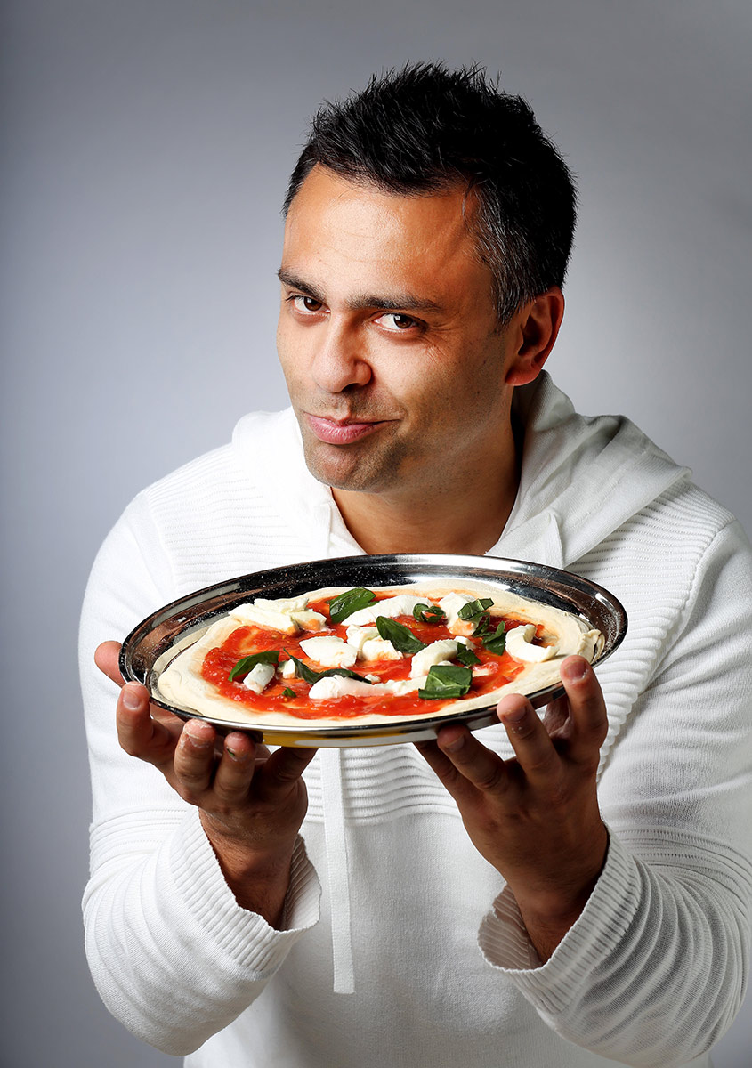 Nicole-Cleary-Photography-Johnny-di-Franceso-pizza