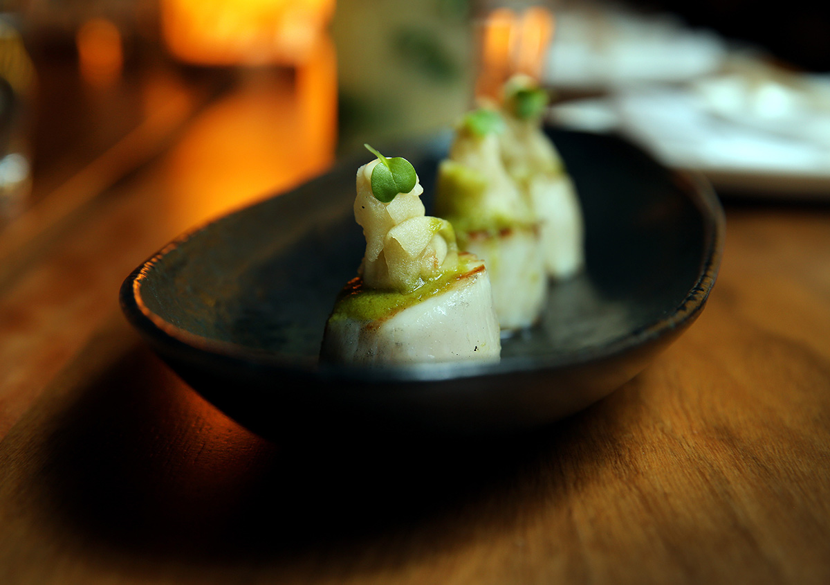Nicole-Cleary-Photography-Toko-Seared-scallops