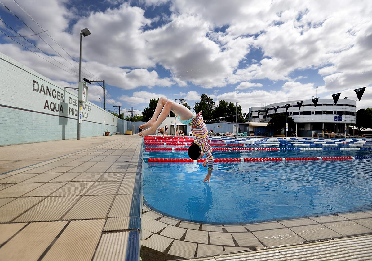 Nicole-Cleary-Photography-documentary-swimming
